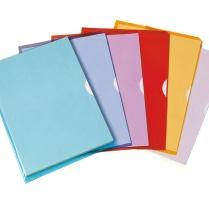 Pochettes coins : Protéger le document tout en laissant apercevoir son contenu.