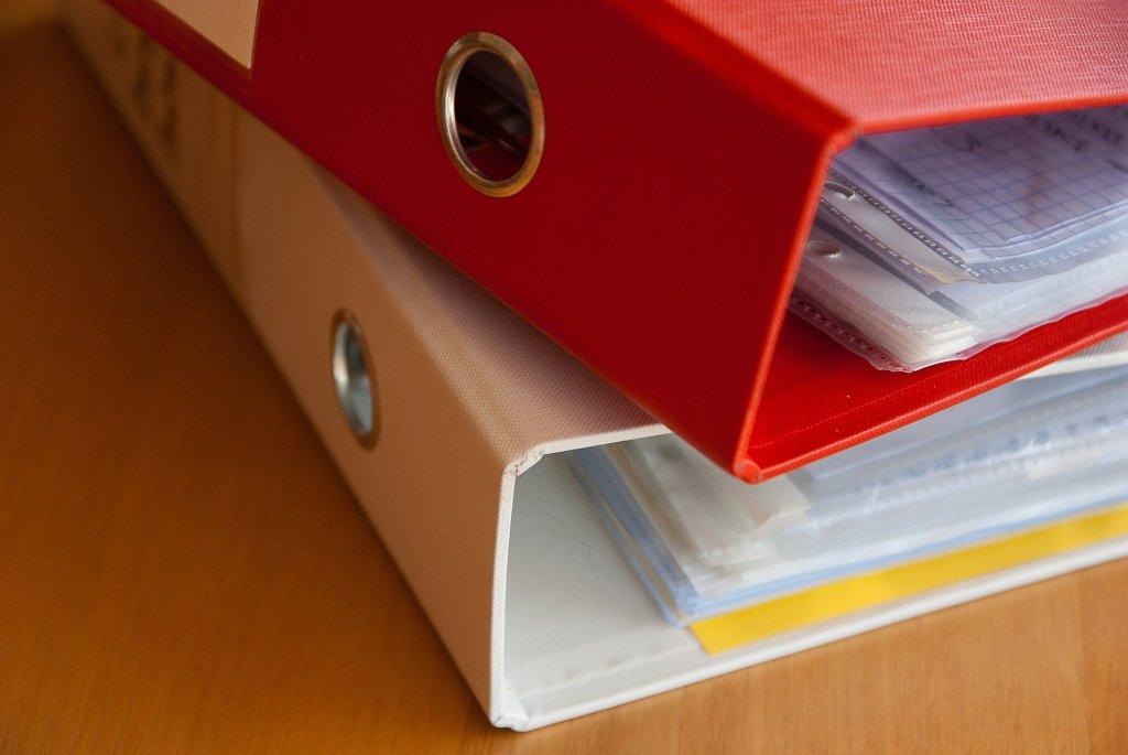 2. On s'organise  Classeurs, chemises, protège-documents, corbeilles à courrier, porte-revues ...